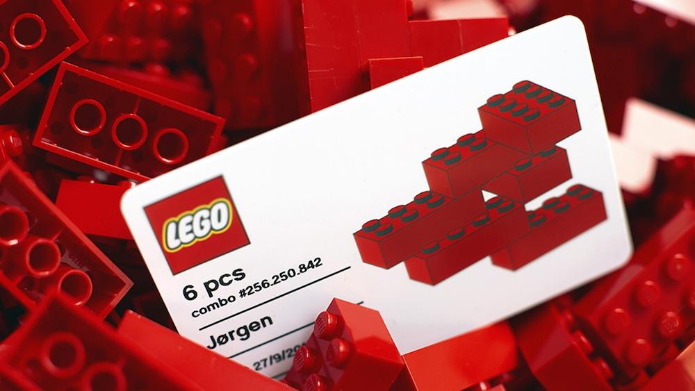 lego-house-6-bricks