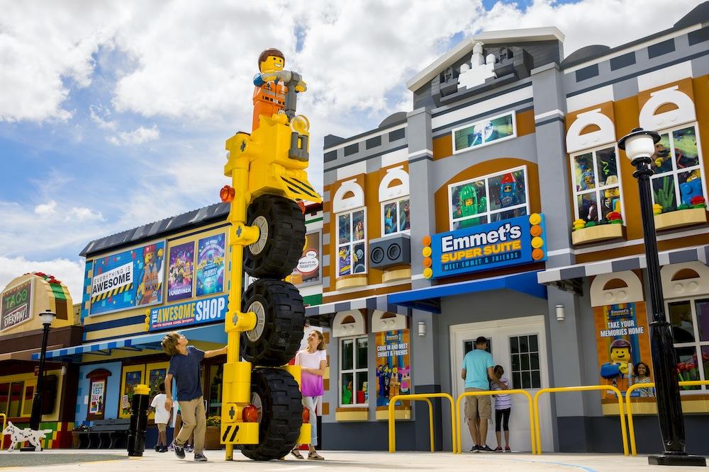 The-Lego-Movie-World-Legoland-Florida-Emmets-Suite