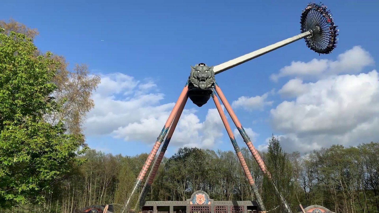 Tigeren Intamin Djurs Sommerland Gyro Swing