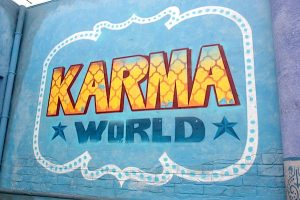 Walibi-Belgium-Karma-World-sign