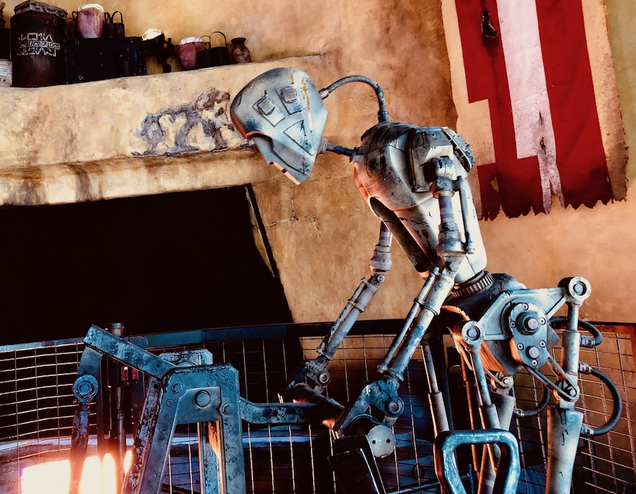 Smelter droid at Ronto roasters star wars galaxys edge photos blooloop