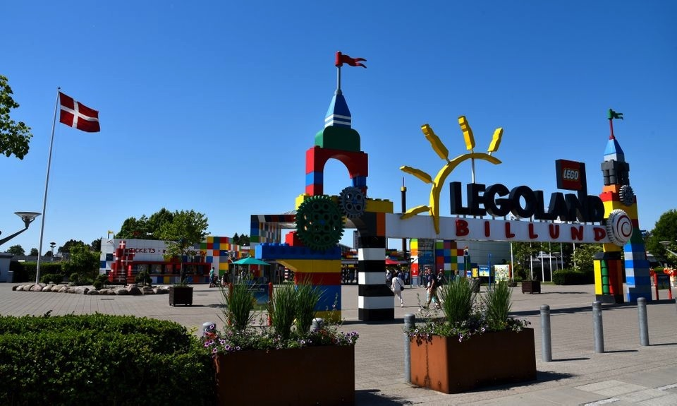 Legoland-Billund-entrance