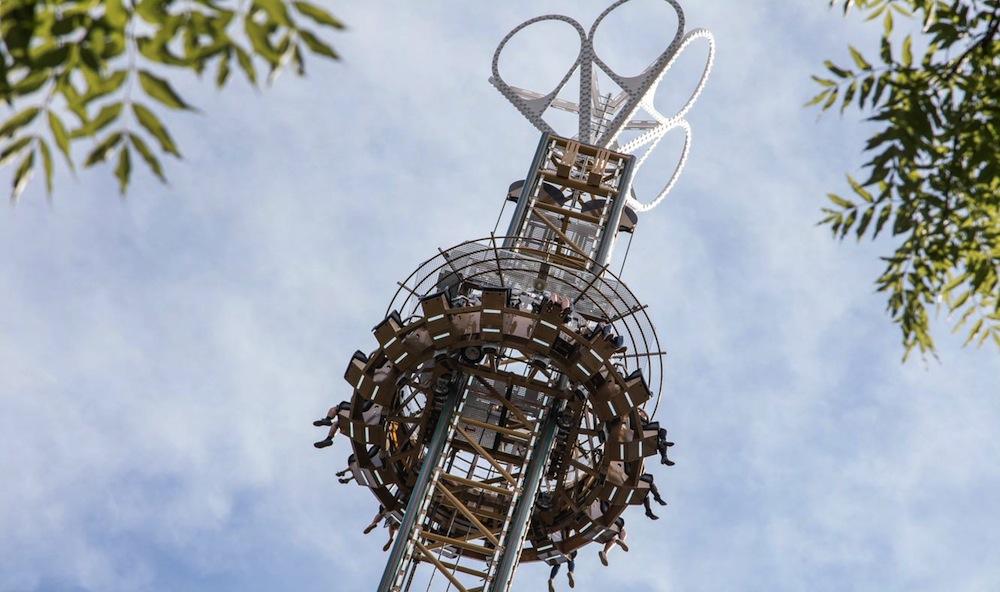 Freefall-towers-Tivoli-Friheden-Hjertekig