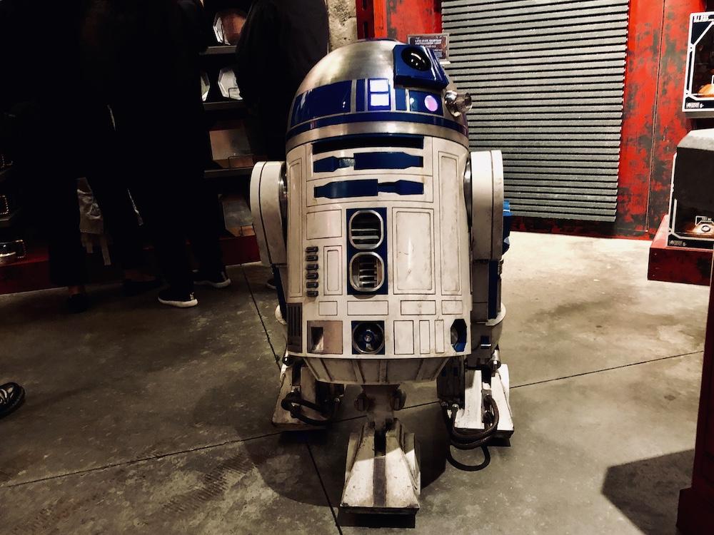Galaxy's edge droids R2-D2