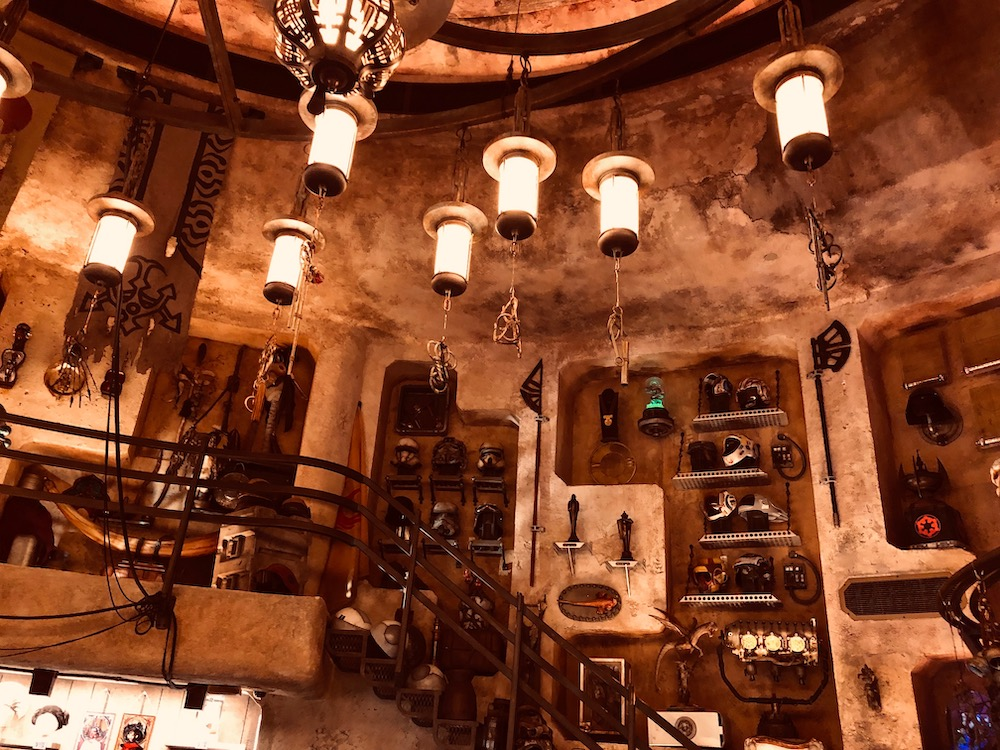 Dok-Ondar's Den of Antiquities Star Wars: Galaxy's Edge Easter Eggs