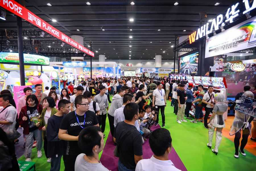 AAA 2019 busy showfloor