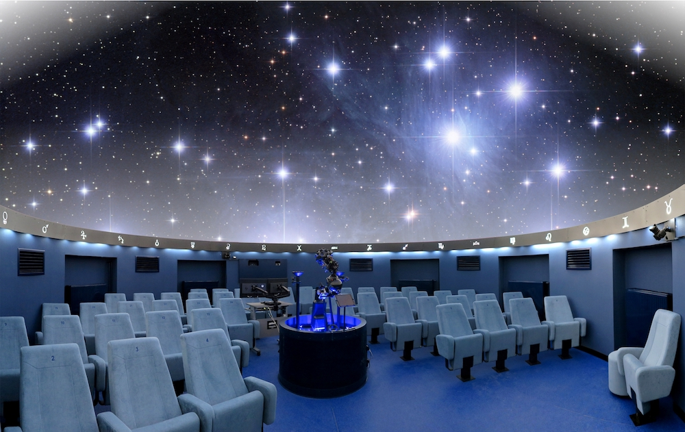 Endurescreens planetarium projection