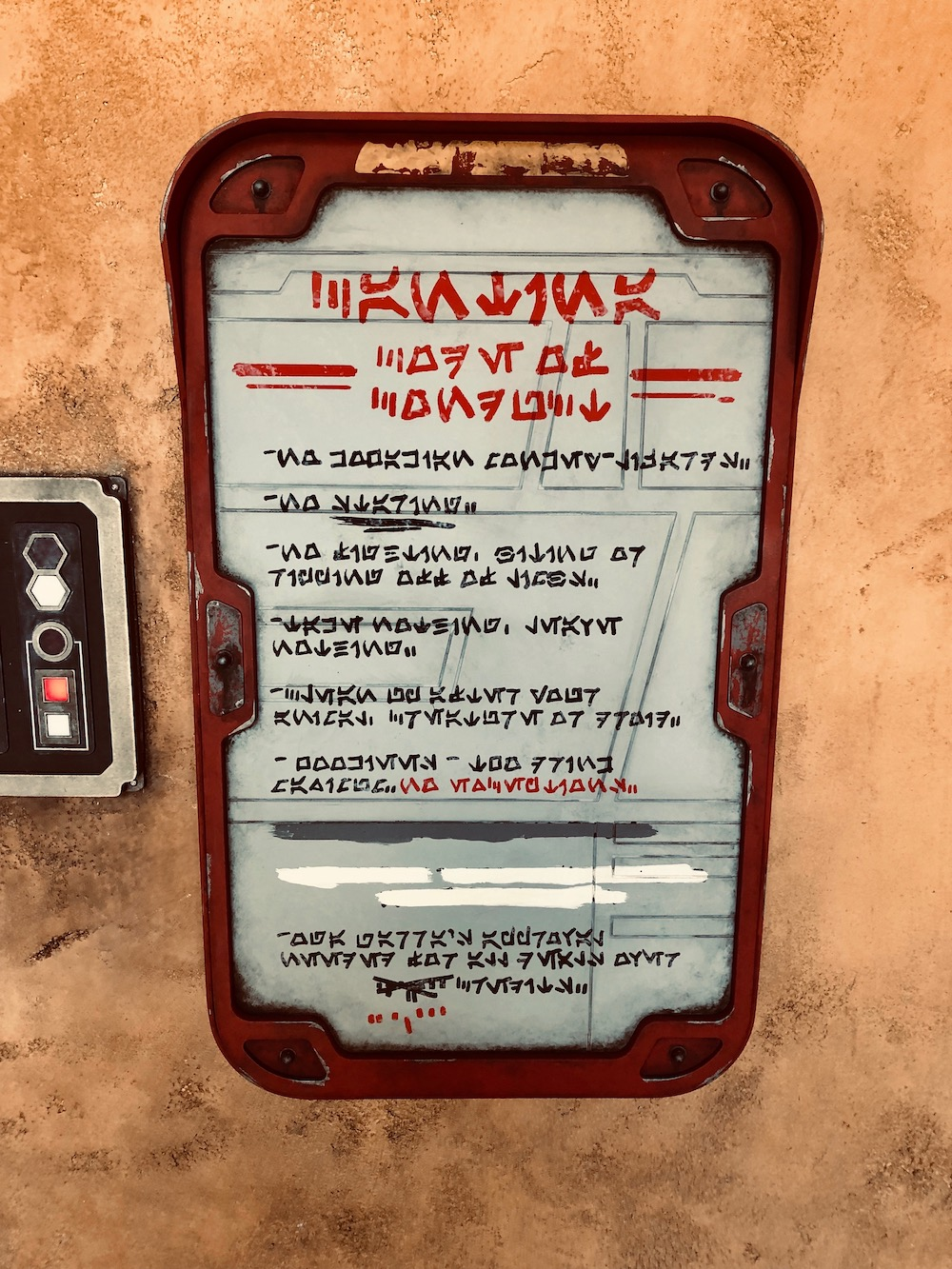 Secret Messages In Oga S Cantina Star Wars Galaxy S Edge Blooloop