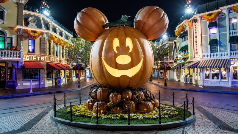 disneyland halloween pumpkin festival
