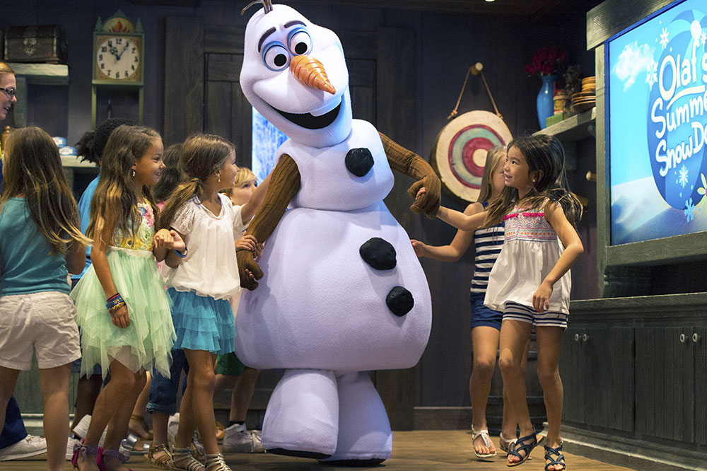 Disneyland Paris Frozen: A Musical Invitation