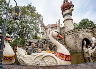 Efteling Six Swans ride
