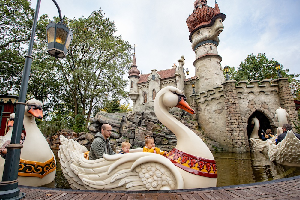 Efteling Six Swans magical attraction