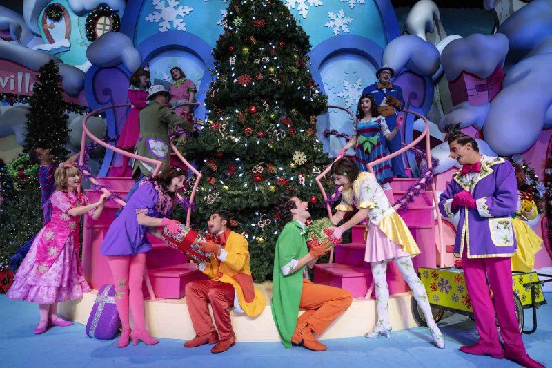 universal orlando christmas holidays
