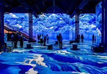 Atelier des Lumières Japan waves © Culturespaces _ E. Spiller