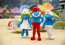 Dream Island meet-and-greet characters include Smurfs, Hello Kitty