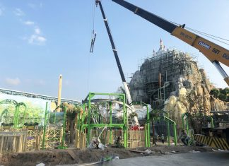 Construction of Extreme Engineering's Cloud Coaster at Vinpearl Land Phu Quoc